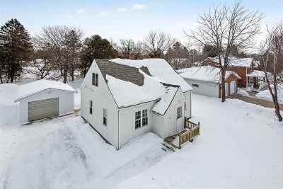 Pulaski WI Single Family Home Active-Offer No Bump: $134,900