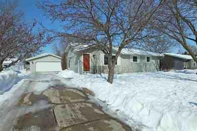 Appleton Single Family Home Active-Offer No Bump: 1608 E Moon Beam
