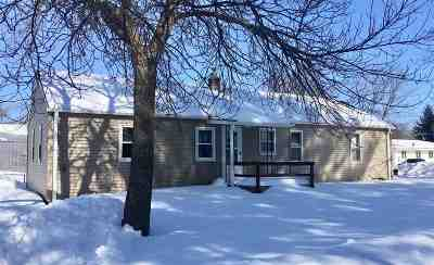 Marinette Single Family Home Active-Offer No Bump-Show: 1039 Hockridge
