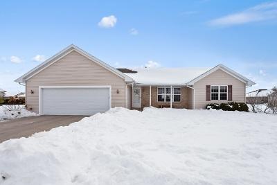 De Pere Single Family Home Active-Offer No Bump: 2323 Lawrence