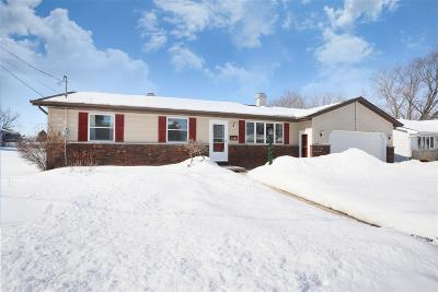 Kaukauna WI Single Family Home Active-Offer No Bump: $179,900