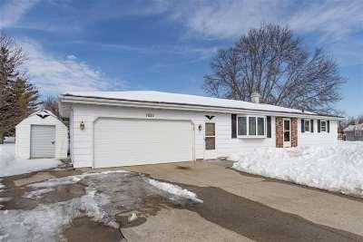 Neenah Single Family Home Active-Offer No Bump: 1031 Appleblossom