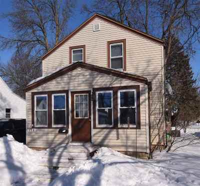 Appleton Single Family Home Active-No Offer: 138 S Lee