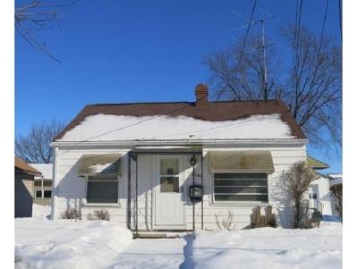 Appleton Single Family Home Active-Offer No Bump: 1506 N Bennett