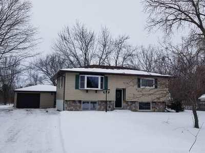 Oshkosh Single Family Home Active-No Offer: 1931 Sky Ranch