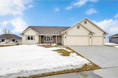 De Pere Single Family Home Active-Offer No Bump: 1728 Ballinamore