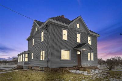 Neenah Single Family Home Active-No Offer: 1046 Cold Spring