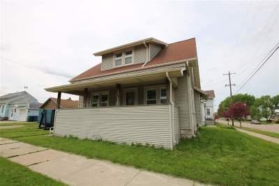 Oshkosh Single Family Home Active-No Offer: 805 Iowa