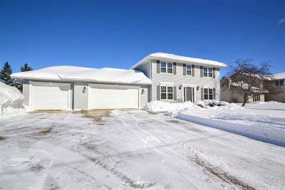 Green Bay Single Family Home Active-No Offer: 1506 Skylark