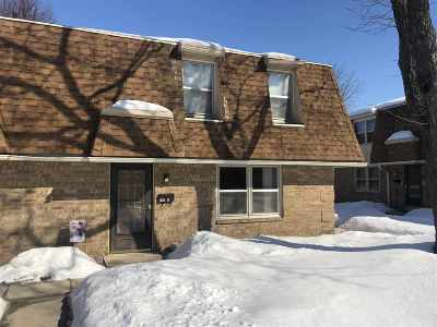 Green Bay Condo/Townhouse Active-No Offer: 205 Huth #J