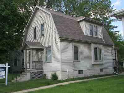 Green Bay Single Family Home Active-No Offer: 1247 University