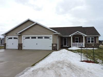 Sherwood Single Family Home Active-Offer No Bump: W4879 Nature