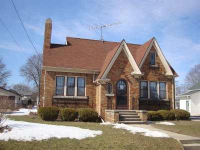 Oshkosh Single Family Home Active-Offer No Bump-Show: 833 Eastman