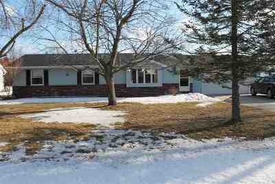 Oshkosh Single Family Home Active-Offer No Bump: 5904 Lakewind