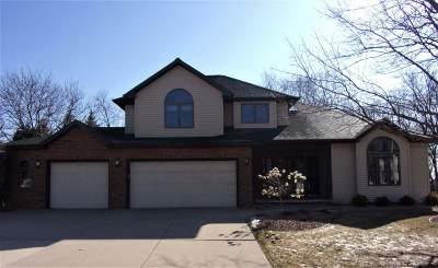 Neenah Single Family Home Active-No Offer: 1450 Baytree