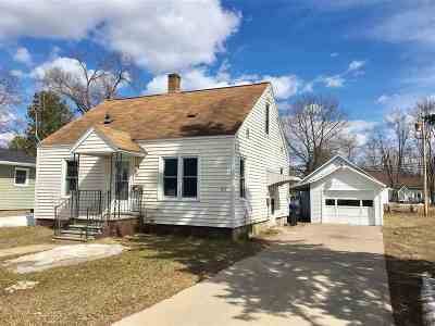 Shawano Single Family Home Active-No Offer: 1212 S Franklin
