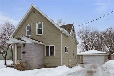 Little Chute Single Family Home Active-Offer No Bump: 1124 Garfield