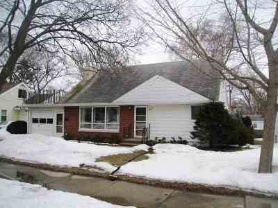 Green Bay Single Family Home Active-No Offer: 1013 Tommark
