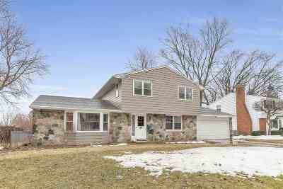 Green Bay Single Family Home Active-No Offer: 2507 Bittersweet