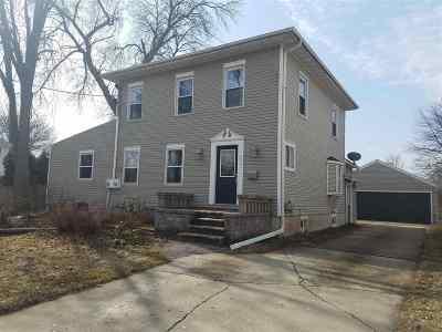 Neenah Single Family Home Active-No Offer: 611 E Doty