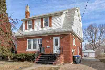 Single Family Home Active-No Offer: 423 Adams