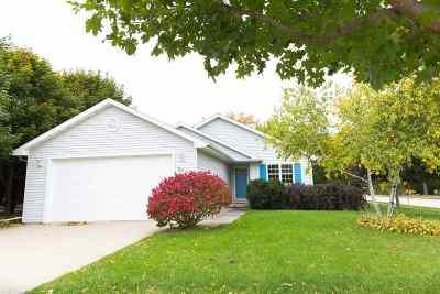 Neenah Single Family Home Active-Offer No Bump: 2501 Maple Grove