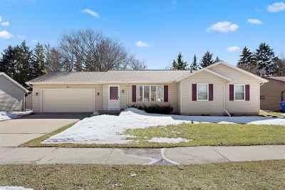 Appleton Single Family Home Active-No Offer: 301 E Meadow Grove