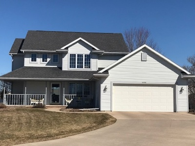 Appleton Single Family Home Active-No Offer: W5980 Woodsedge