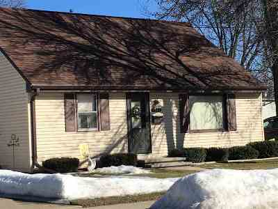 Kaukauna Single Family Home Active-Offer No Bump: 1312 Kenneth