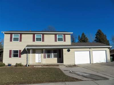 De Pere Multi Family Home Active-Offer No Bump: 457 St Bernard