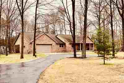 Pulaski WI Single Family Home Active-No Offer: $369,800