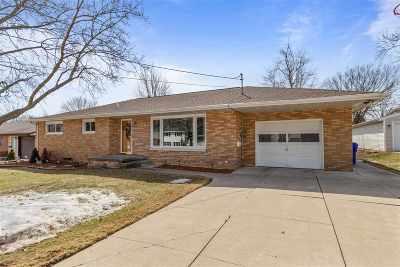 Kaukauna Single Family Home Active-Offer No Bump: 131 Washington