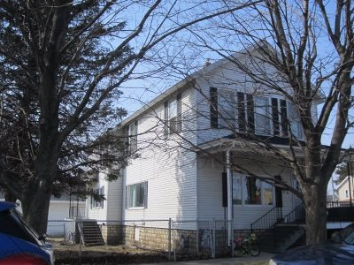Menominee Single Family Home Active-No Offer: 517 3rd