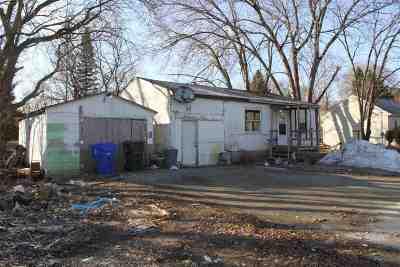 Kaukauna Single Family Home Active-Offer No Bump: 934 Armstrong