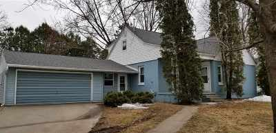 Pulaski WI Single Family Home Active-Offer No Bump: $155,000