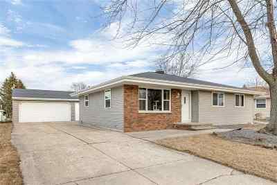 Kaukauna Single Family Home Active-Offer No Bump: 1516 Thelen
