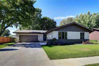 Menasha Single Family Home Active-Offer No Bump: 1036 Melissa