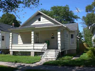 Menominee Single Family Home Active-No Offer: 1608 15th