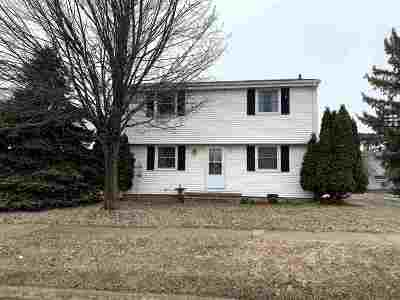 Neenah Multi Family Home Active-Offer No Bump: 915 Byrd