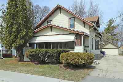 Menasha Multi Family Home Active-Offer No Bump-Show: 540 6th