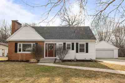 Kaukauna Single Family Home Active-Offer No Bump: 1029 Hennes