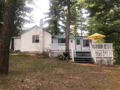 Waupaca Single Family Home Active-No Offer: N1195 Akron