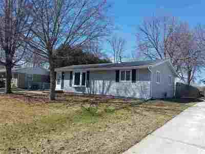 Neenah Single Family Home Active-Offer No Bump: 2317 Brantwood