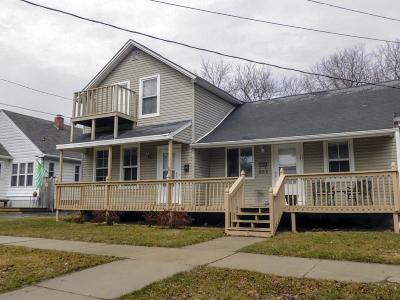 Green Bay Multi Family Home Active-No Offer: 922 Division