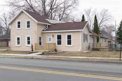De Pere Single Family Home Active-No Offer: 338 S Erie