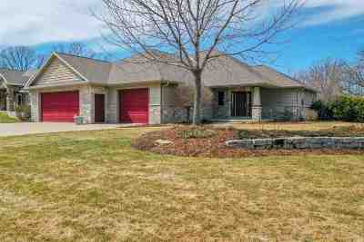Neenah Single Family Home Active-Offer No Bump: 1914 Creek Side