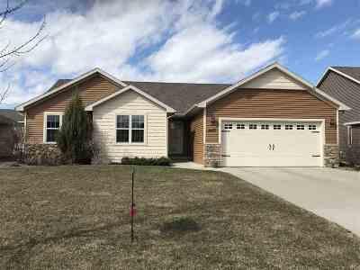 De Pere Single Family Home Active-Offer No Bump: 1477 Lear