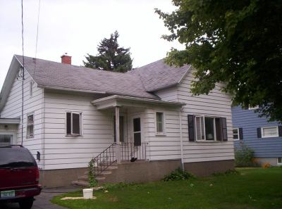 Menominee Single Family Home Active-No Offer: 2809 15th