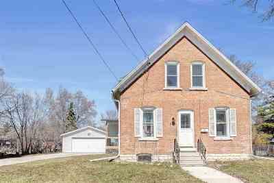 De Pere Single Family Home Active-Offer No Bump: 836 Elm