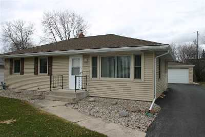 Neenah Single Family Home Active-Offer No Bump-Show: 960 W Cecil
